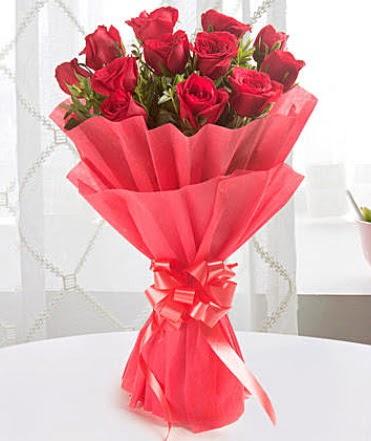 12 adet kırmızı gülden modern buket  Eskişehir çiçekçiler