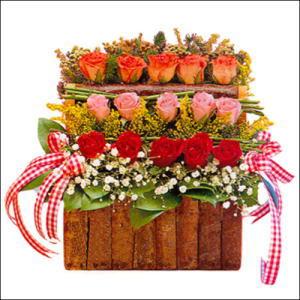 sandikta 3 kat güllerden   Eskişehir yurtiçi ve yurtdışı çiçek siparişi
