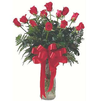 12 adet gül cam içerisinde  Eskişehir yurtiçi ve yurtdışı çiçek siparişi