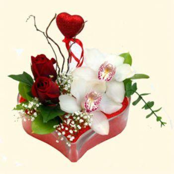 Eskişehir çiçek gönderme sitemiz güvenlidir  1 kandil orkide 5 adet kirmizi gül mika kalp