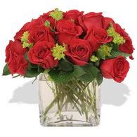 Eskişehir çiçek siparişi vermek  10 adet kirmizi gül ve cam yada mika vazo