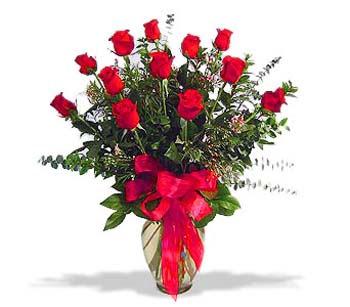çiçek siparisi 11 adet kirmizi gül cam vazo  Eskişehir kaliteli taze ve ucuz çiçekler