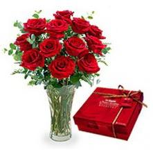 Eskişehir 14 şubat sevgililer günü çiçek  10 adet cam yada mika vazoda gül çikolata