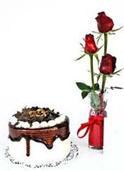Eskişehir çiçek mağazası , çiçekçi adresleri  vazoda 3 adet kirmizi gül ve yaspasta