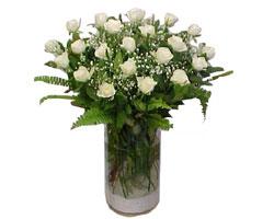 Eskişehir ucuz çiçek gönder  cam yada mika Vazoda 12 adet beyaz gül - sevenler için ideal seçim