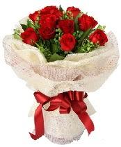 12 adet kırmızı gül buketi  Eskişehir İnternetten çiçek siparişi
