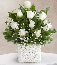 9 beyaz gül vazosu  Eskişehir online çiçek gönderme sipariş