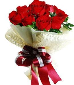 9 adet kırmızı gülden buket tanzimi  Eskişehir internetten çiçek satışı