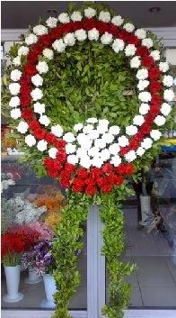 Cenaze çelenk çiçeği modeli  Eskişehir İnternetten çiçek siparişi