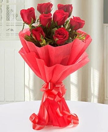 9 adet kırmızı gülden modern buket  Eskişehir çiçek siparişi sitesi