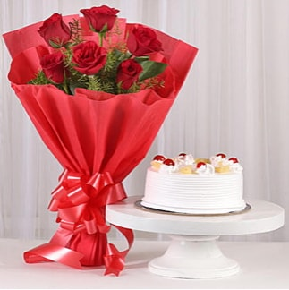 6 Kırmızı gül ve 4 kişilik yaş pasta  Eskişehir cicek , cicekci