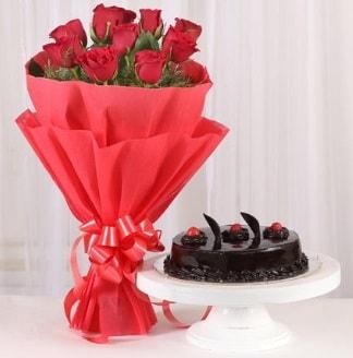 10 Adet kırmızı gül ve 4 kişilik yaş pasta  Eskişehir hediye sevgilime hediye çiçek